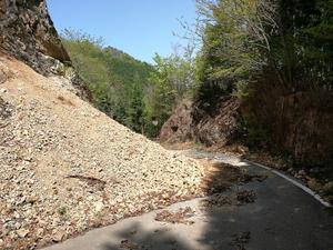 中美濃林道 崩落 1