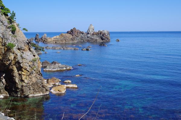兵庫県美方郡新温泉町居組 穴見海岸 2P
