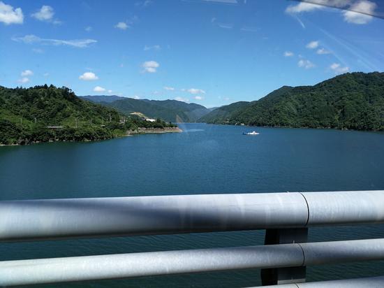 徳山ダム湖
