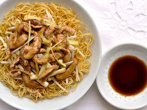 hk style fried noodles 2 (shredded pork)